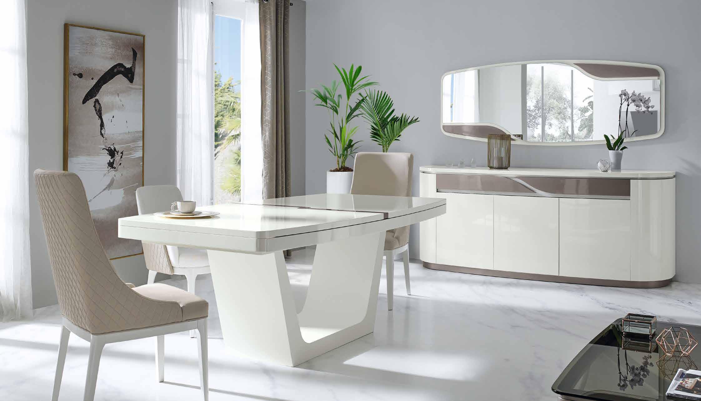 Meubles portugais - salle à manger, table, chaises, bufet, enfilade